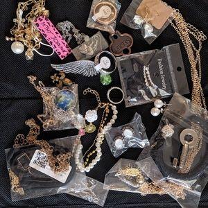 20+ piece assorted jewelery bundle